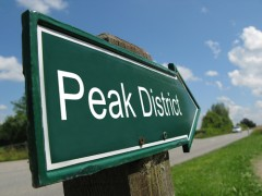 Peak District sign_shutterstock_93059317.jpg