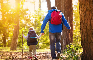Guest Blog: 5 Tips for Hiking with Kids