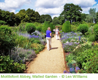 Walled Garden_Caption.png